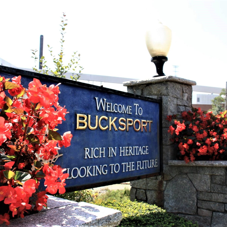 Bucksport Welcome to Bucksport sign with flowers (2)